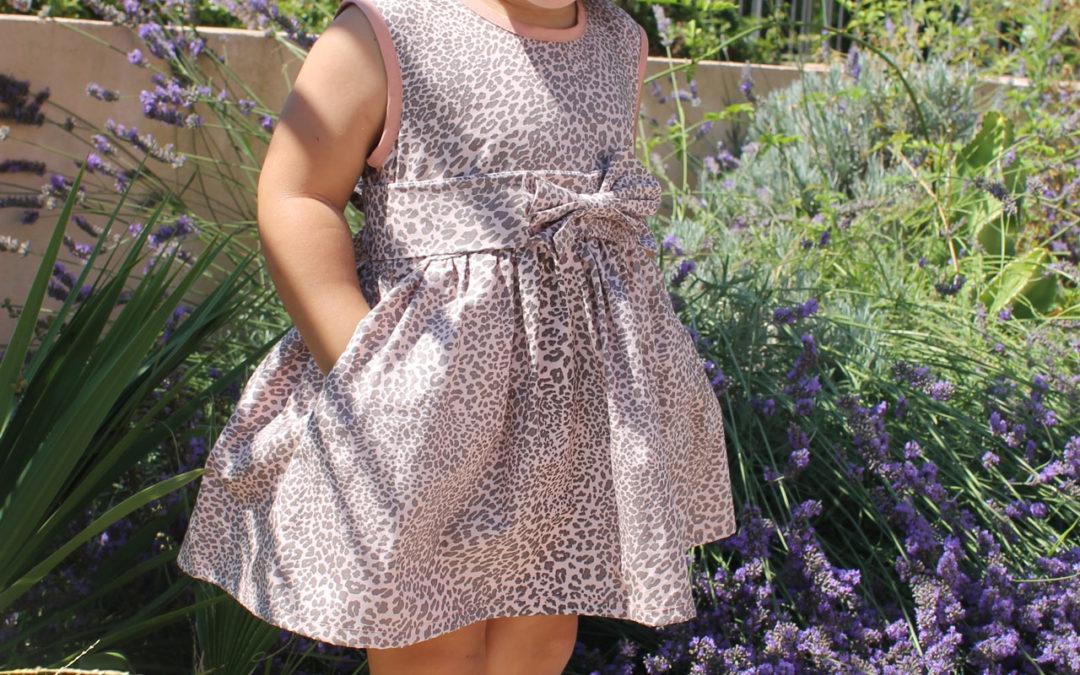 Robe en coton léopard,(taille 2ans)30€